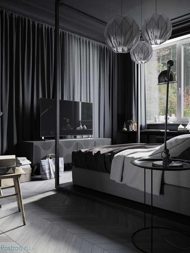 Спальня с черными шторами. Фото