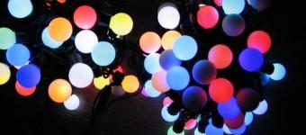 Как украсить комнату гирляндами на новый год