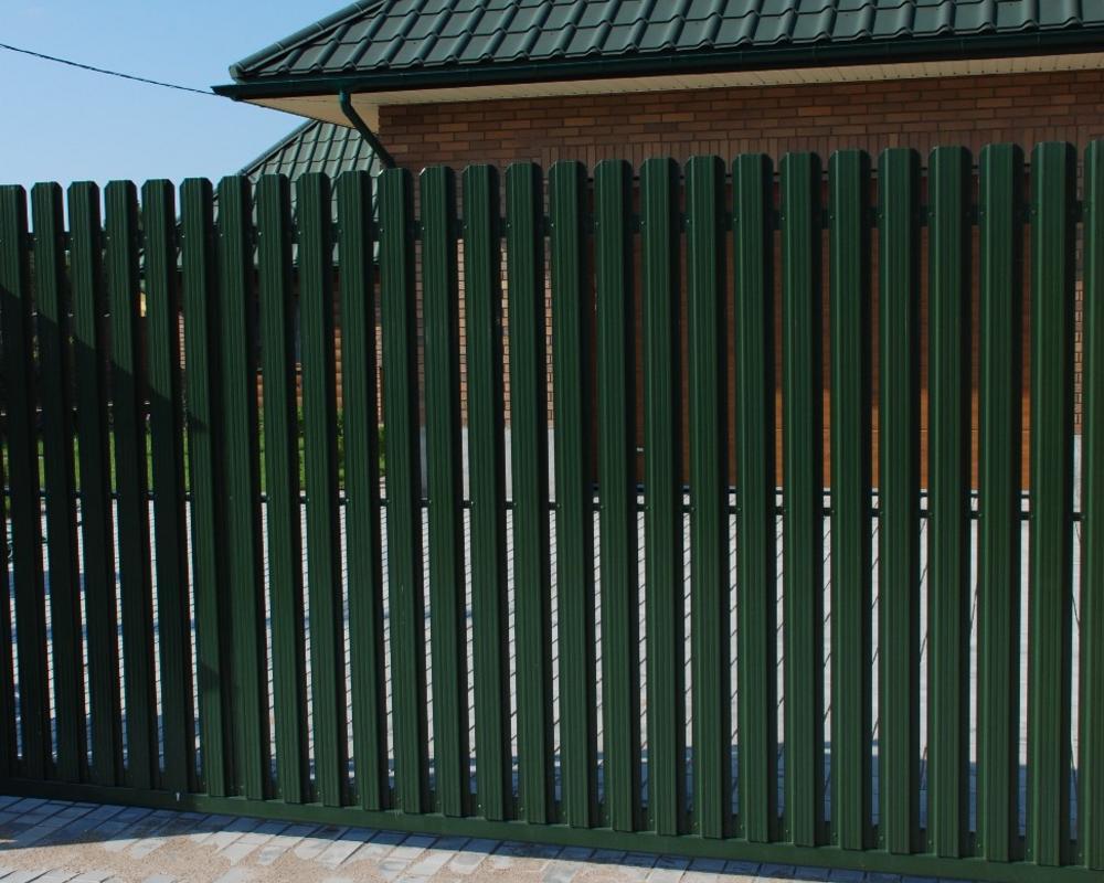 Как установить забор из металлоштакетника своими руками фото 90