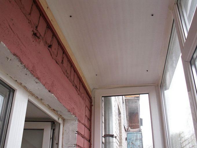 Полка на балкон своими руками. Фото