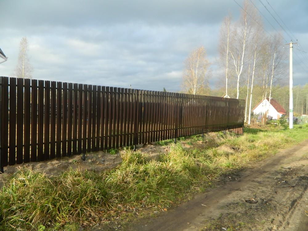 Забор на винтовых сваях своими руками. Пошаговая инструкция