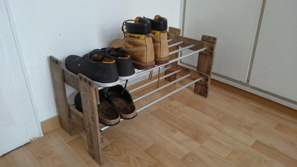 Polka-dlya-obuvi-loft-600x338