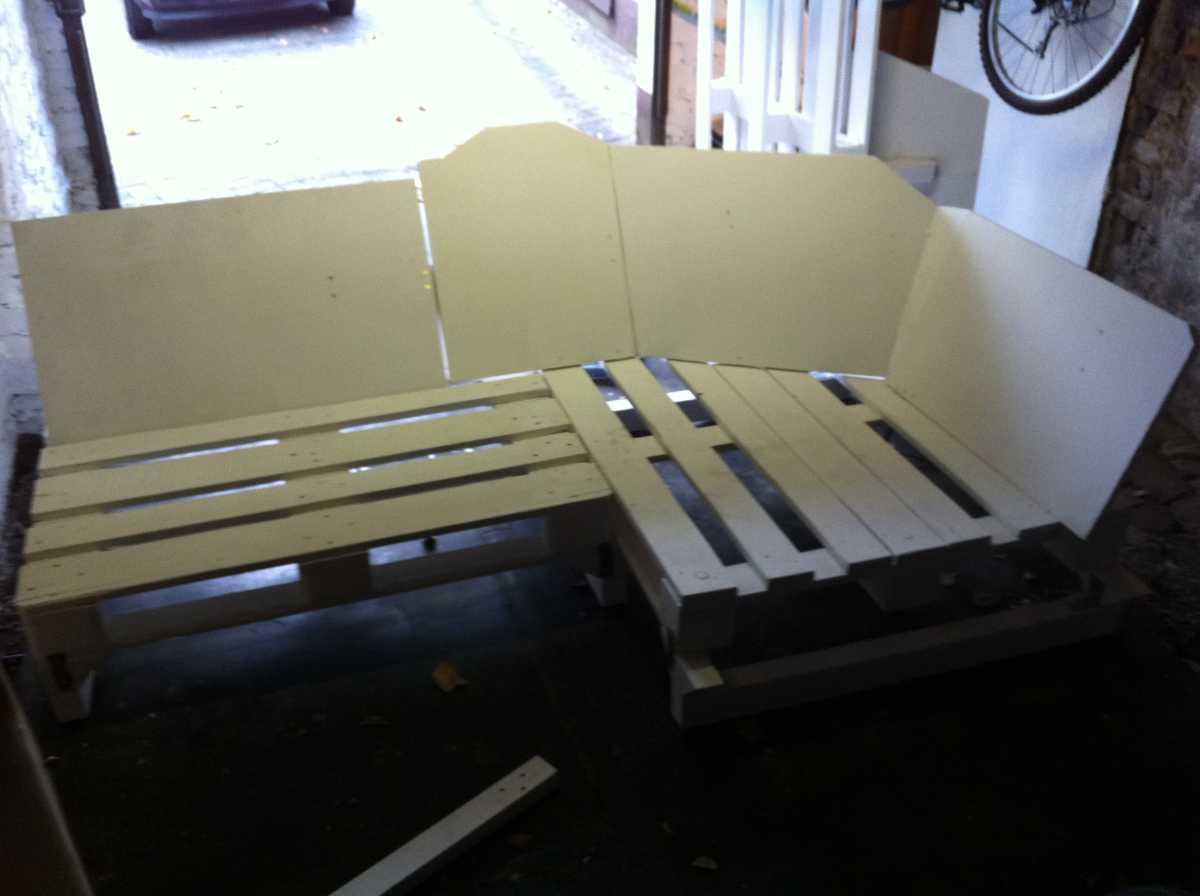 pallet-sofa-corner-8