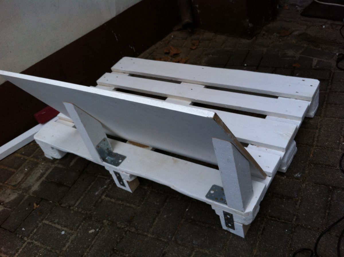 pallet-sofa-first-backrest-5