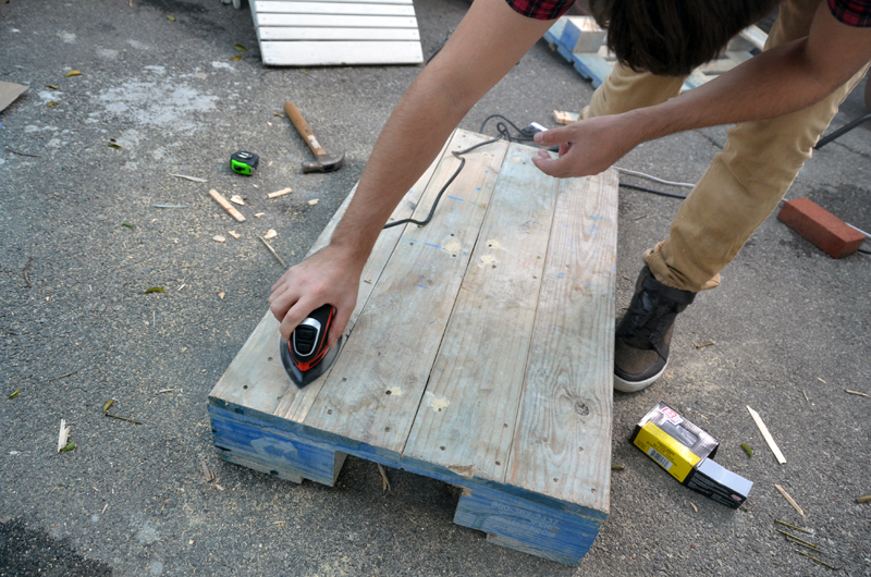 pallet_table_sand_1