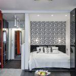 Дизайн гостиной, совмещенной со спальней, 20 кв.м. с помощью перегородки