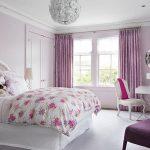 Бело-фиолетовая спальня