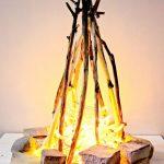 Имитация огня гирляндой в доме