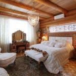 Русский стиль в доме из бревна