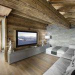 Интерьер шале в доме из бревна