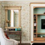 Дизайн спальни в классическом стиле с телевизором
