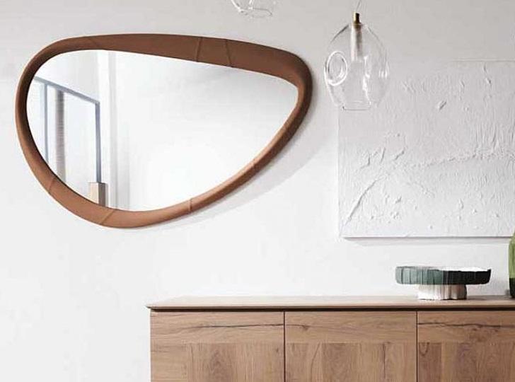итальянское зеркало в виде овала
