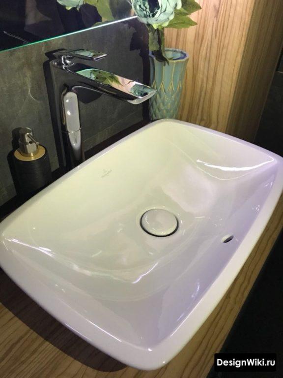Современный дизайн столешницы для раковины в ванной комнате