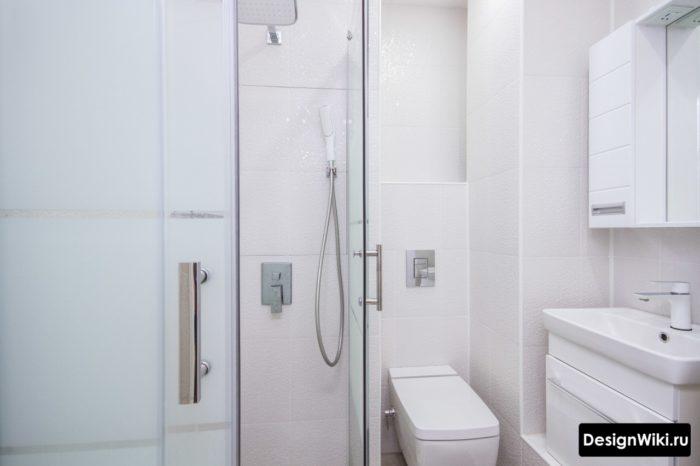 Современная ванная комната без ванны