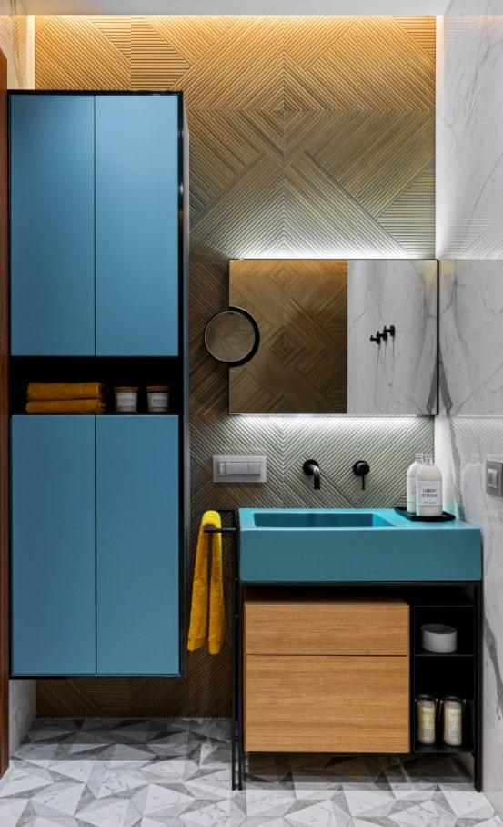 голубая раковина в помещении