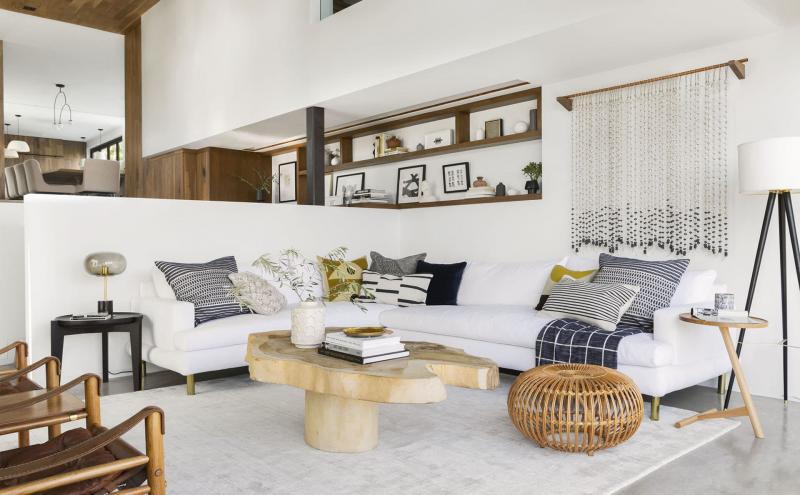 Гостиная 18 м² с угловым диваном 2