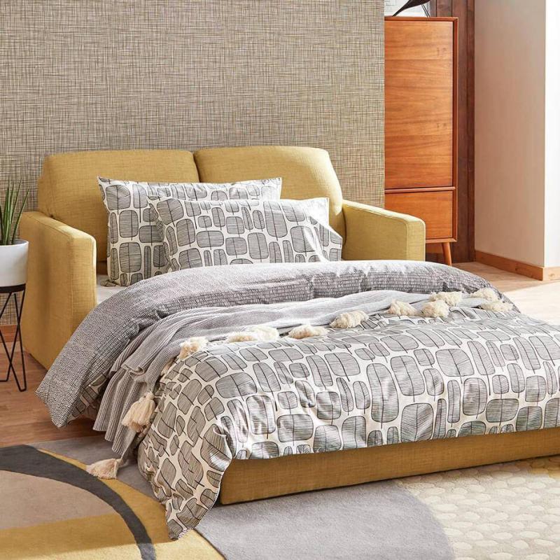 Гостиная 18 м² с кроватью для 4 человек