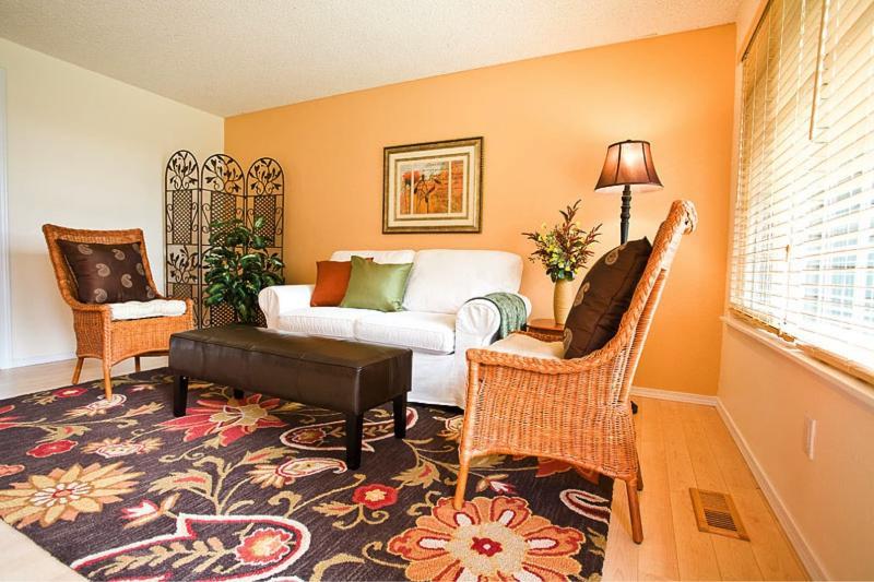 Оранжевая гостиная 18 м 2